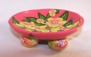 flat bowl by Linda Prais